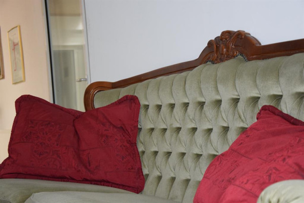 Couch2.Stock (2)