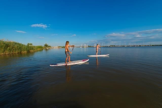 Jois_Stand up Paddling in intakter Natur